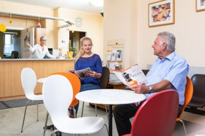 Hausarzt Hallwang - Jungbauer - Leistungen - Wartebereich