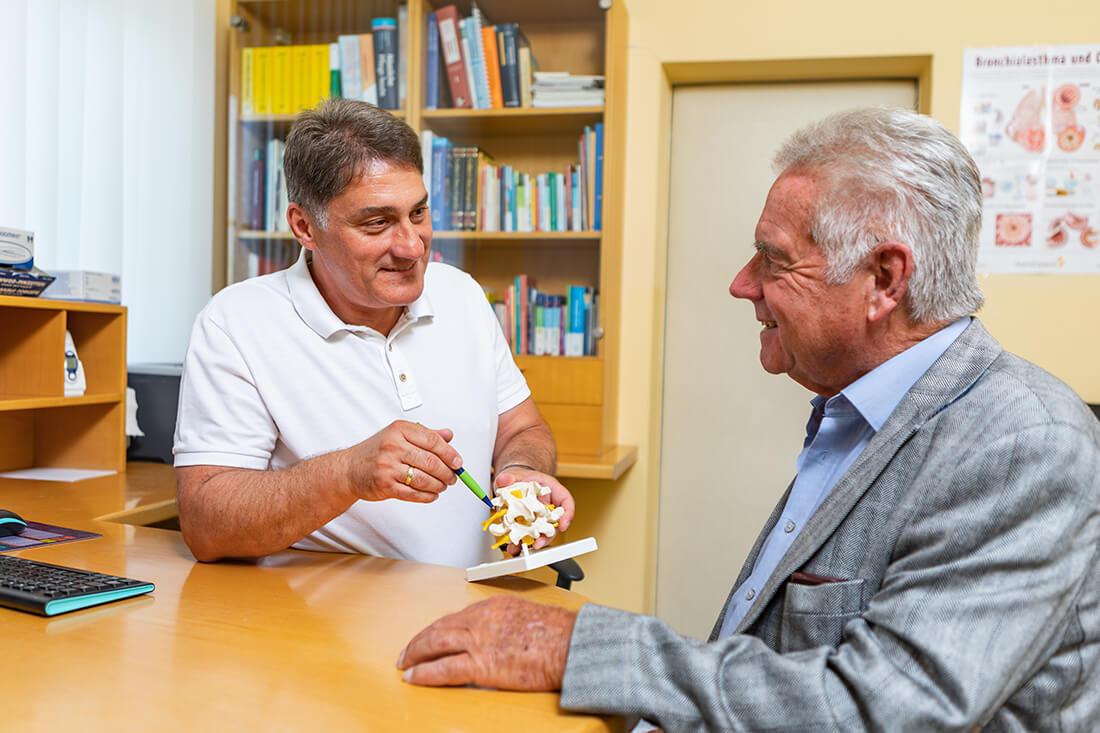 Hausarzt Hallwang - Jungbauer - Leistungen - Beratung bei Erkrankungen der Wirbelsäule